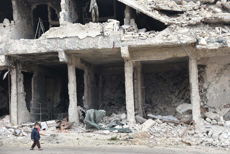 Szíria háború romos épület gyerek