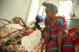 Etiópia Tigré polgárháború menekült család